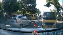 Viral Mobil Santuy Hadang Truk, Dishub: Itu Jalur Satu Arah!