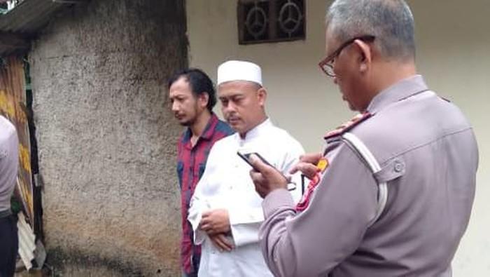 Rumah Slamet Maarif dilempat batu oleh OTK