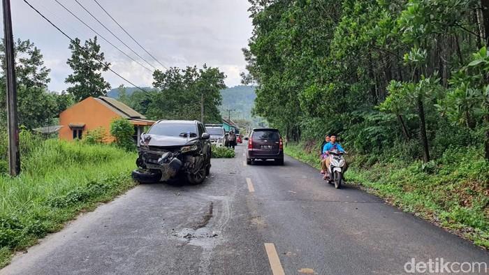 Kecelakaan beruntun di Lebak, Banten.