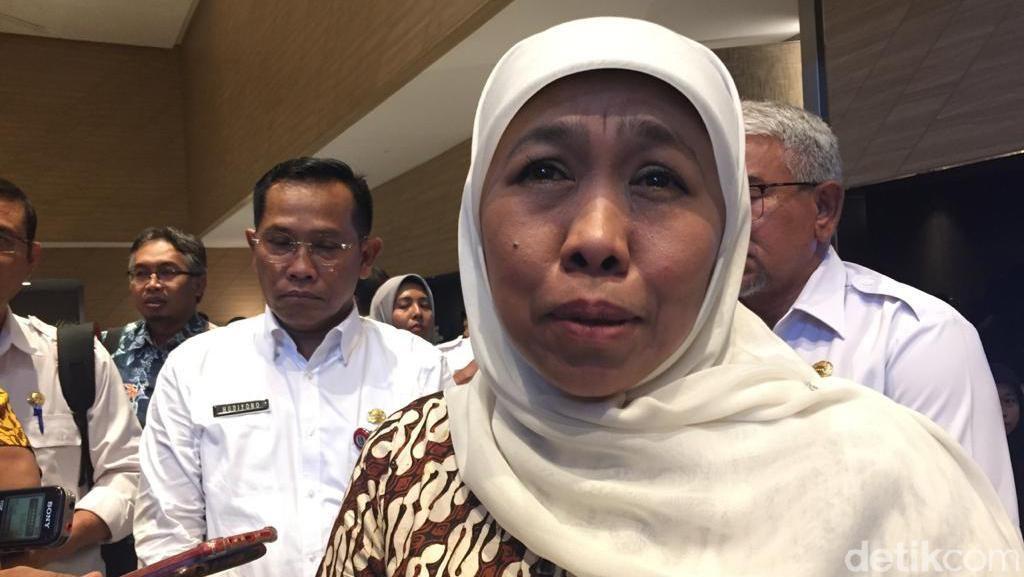 Gubernur Khofifah Ingin Suporter Berdiri Saat Nyanyi Indonesia Raya