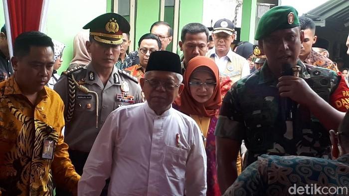 Wakil Presiden Maruf Amin meninjau rekonstruksi bangunan pascagempa di Nusa Tenggara Barat (NTB).