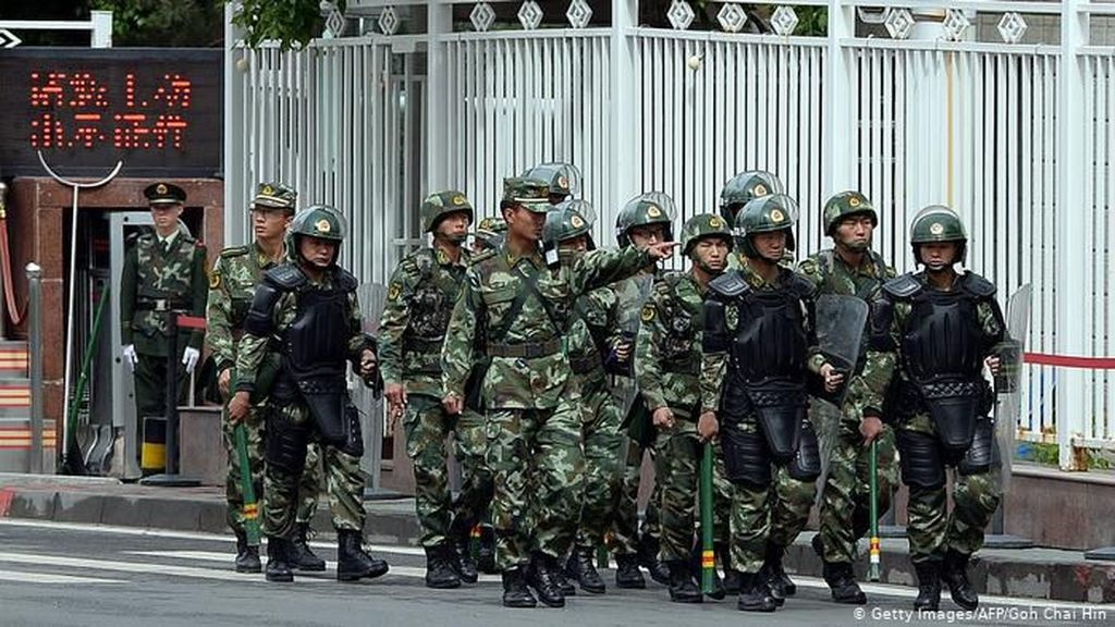 China Tangkap Banyak Muslim Uighur Tanpa Alasan