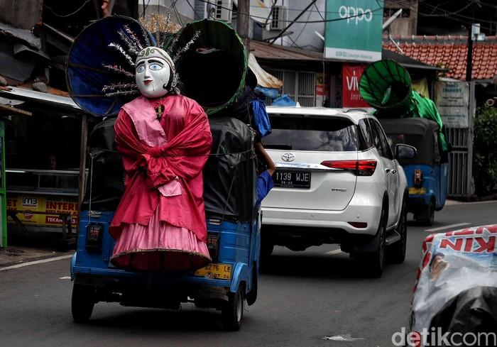 Pemprov DKI Jakarta mengimbau perajin Ondel-ondel untuk tidak sembarangan menyewakan ikon Ibu Kota tersebut, salah satunya untuk mengamen.