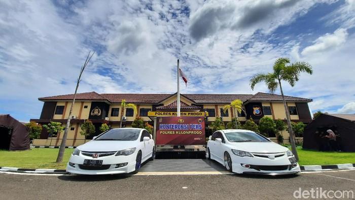 Konferensi pers balapan mobil di Underpass Bandara Kulon Progo Yogyakarta