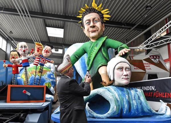 Parade karnaval ini kerap dirayakan di sejumlah kota di Jerman, beberapa diantaranya adalah Mainz, Cologne, dan Duesseldorf. AP Photo/Martin Meissner.