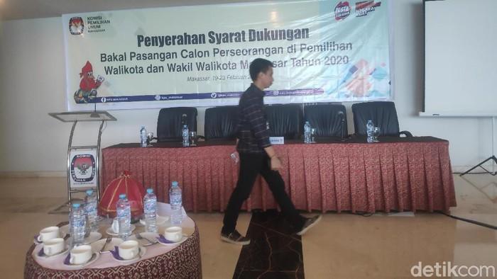 KPU Makassar mulai menerima penyerahan berkas dukungan calon wali kota Makassar lewat jalur perseorangan (M Taufiqqurrahman/detikcom)