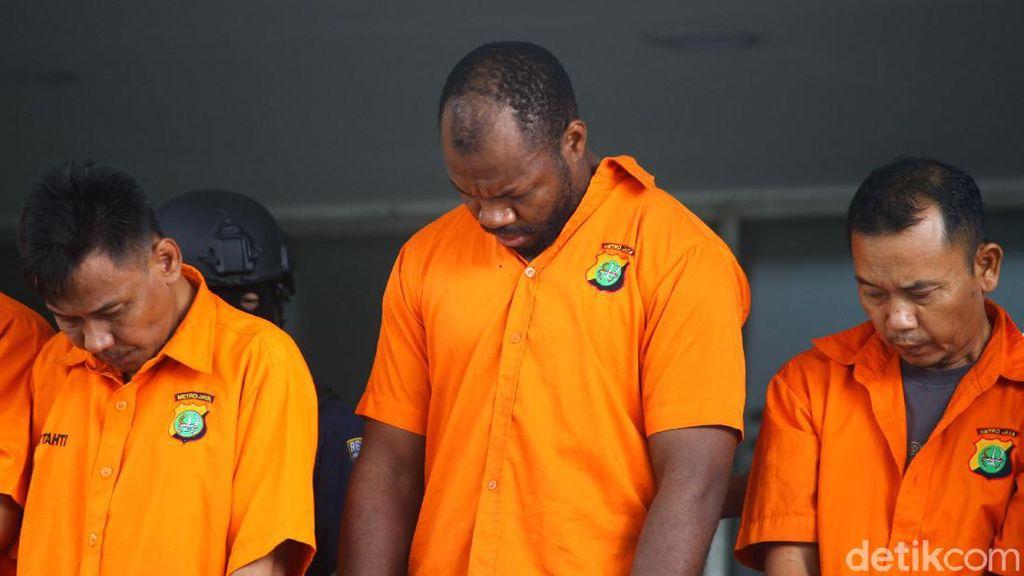 Aksi Sulap WNA Kamerun Bisa Gandakan Dolar Berakhir di Penjara
