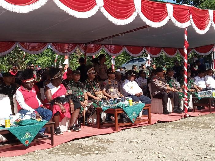 Panglima TNI terima hibah lahan Suku Kamoro di Timika untuk Makogabwilhan III. (Saiman/detikcom)