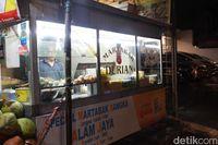 Martabak Alam Jaya: Mantul! Martabak Manis Kekinian dan Martabak Telur Klasik