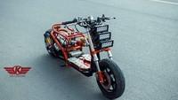 Modifikasi Ekstrem Skuter Honda Zoomer Ini Bikin Merinding!
