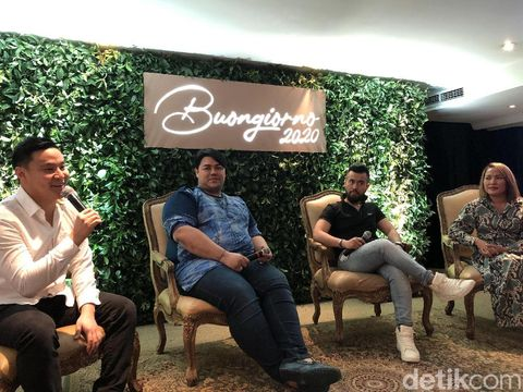 Ivan Gunawan luncurkan koleksi baju Lebaran 2020.