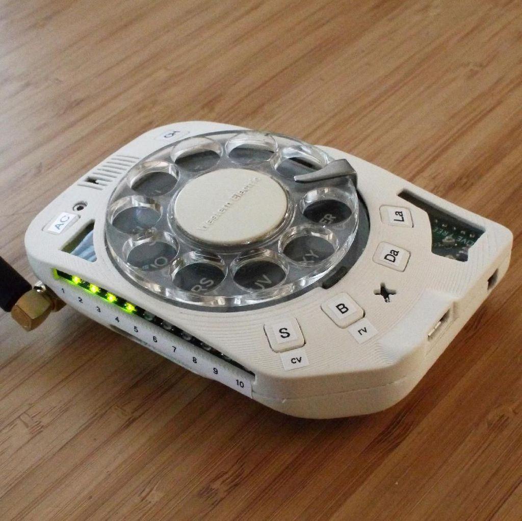 Ponsel Teraneh di Dunia, Pakai Nomor Putar Ala Telepon Jadul