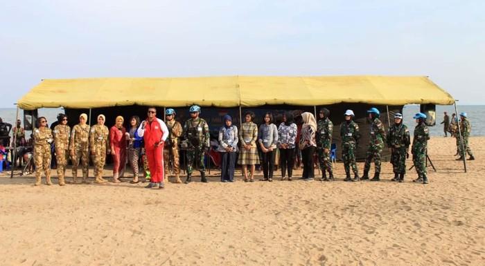Pasukan Kontingen Garuda yang tengah bertugas di Kongo memperkenalkan kebudayaan Indonesia di Provinsi Tanganyika, Kongo. Begini suasananya.