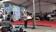 MenPAN-RB Beri Penghargaan ke Polda Metro atas Kinerja Berantas Narkoba