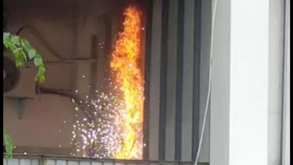 Diduga Korsleting Listrik, Api Muncul di Masjid Agung Medan-Dinding Gosong