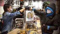 Virus Corona Mewabah, Masyarakat China Nikmati Cocktail Pesan Antar