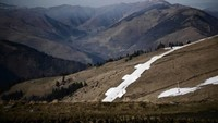 Pemanasan global adalahmomok bagi resor ski. Mereka yang terletak di bawah ketinggian 1.000 meter dipastikan tak kebagian salju. Nove Mesto, yang terletak hanya 600 meter di atas permukaan laut, adalah contoh utama terdampak langkanya salju ini (Foto: CNN)