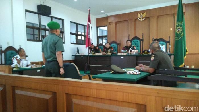 Letkol AH divonis bersalah dalam kasus perselingkuhan dan dihukum 8 bulan penjara. (Foto: Datuk Haris Molana/detikcom)