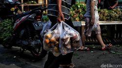 Larangan Kantong Plastik Sudahkah Diterapkan di Pasar Tebet Barat?