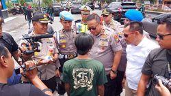 Polisi Sweeping Suporter yang Masuk ke Sidoarjo