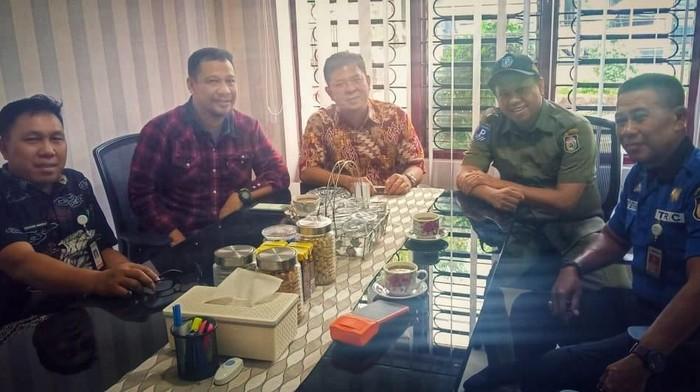 Rapat pembentukan tim terpadu mengatasi maraknya juru parkir liar di Makassar (Dok. Istimewa)