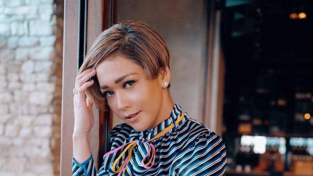 Maia Estianty Potong Rambut Jadi Super Pendek, Bikin Pangling