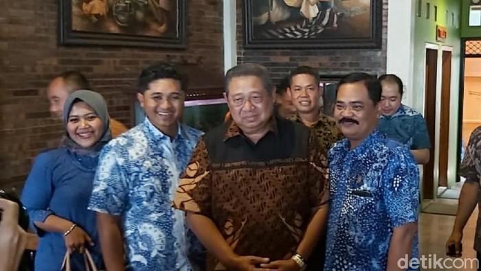 SBY mampir di RM Ayam Goreng Mulyani, Sukoharjo