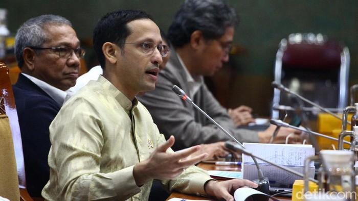 Mendikbud Nadiem Makarim mengaku jengkel karena dituding konflik kepentingan (conflict of interest) terkait bayar SPP menggunakan GoPay.