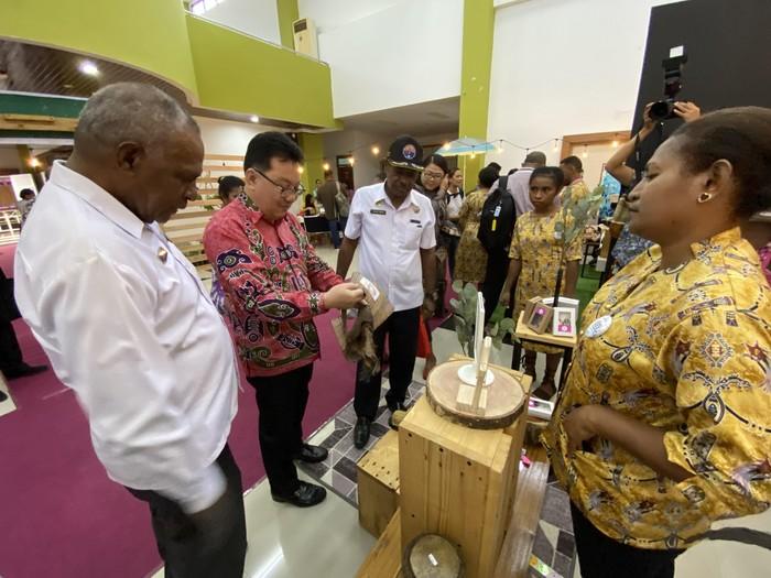 Program pendidikan kewirausahaan kaum muda digelar di Kota Jayapura, Papua. Program ini bertema 'Apresiasi Kesuksesan Bisnis Pengusaha Muda Jayapura'
