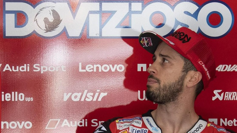 KUALA LUMPUR, MALAYSIA - FEBRUARY 07: Andrea Dovizioso of Italy and Ducati Team  looks on in box during the MotoGP Pre-Season Tests at Sepang Circuit on February 07, 2020 in Kuala Lumpur, Malaysia. (Photo by Mirco Lazzari gp/Getty Images)