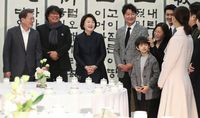 Sutradara dan Pemeran Film Parasite Dijamu Makan Siang Oleh Presiden Korea Selatan