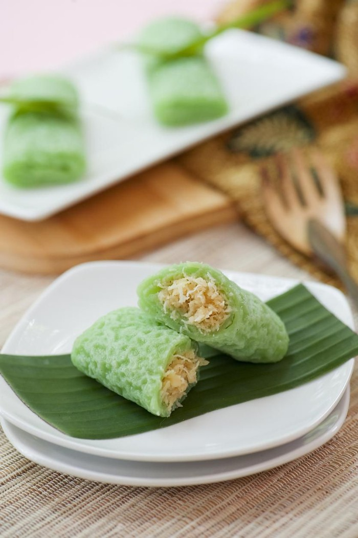 is it typical of Indonesia, that can be classified as a pancake filled with grated coconut is mixed with liquid sugar. This content is called a unit.