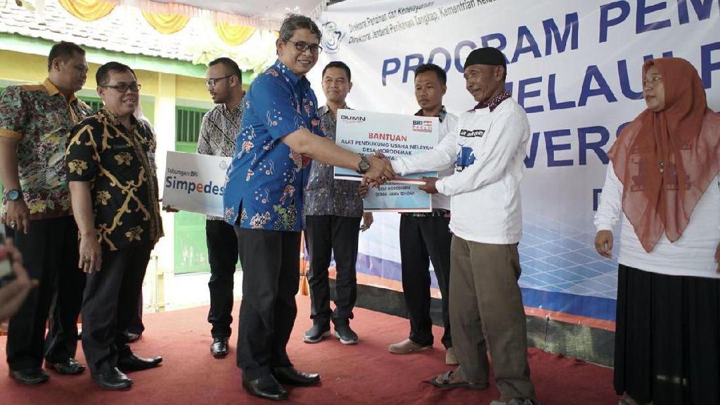 BRI dan KKP Beri Pelatihan Pengelolaan Ikan ke Nelayan Morodemak