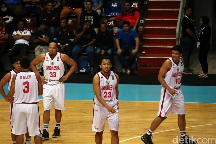 Tim basket putra Korea Selatan dengan menyakinkan membungkam tuan rumah tim putra basket Indonesia dengan skor telak (109-76), yang berlangsung di Sport Mal Kelapa Gading, Jakarta, Kamis (20/2/2020) malam.