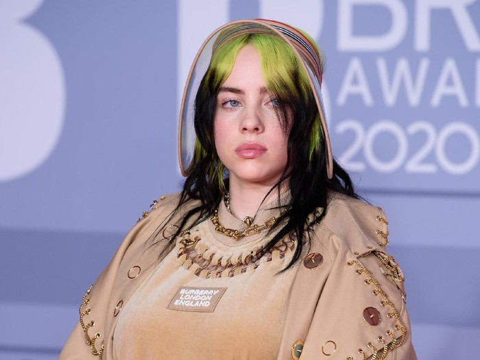 LONDON, ENGLAND - FEBRUARY 18: (EDITORIAL USE ONLY) Billie Eilish attends The BRIT Awards 2020 at The O2 Arena on February 18, 2020 in London, England. (Photo by Joe Maher/Getty Images for Bauer Media)