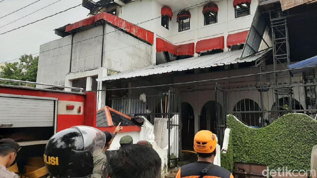 Kebakaran Melanda Mess Karyawan The House of Raminten Yogya