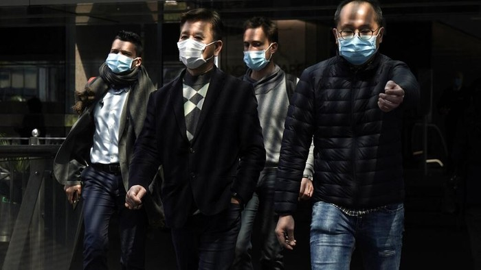 Korban tewas imbas virus corona kian bertambah hingga melebihi 2.100 orang secara global. Belum lama ini, 2 orang di Iran juga tewas akibat COVID-19.
