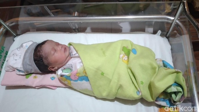 Bayi perempuan di Kulon Progo ini lahir di tanggal cantik 20-02-2020