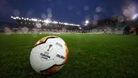 Pelatih Club Brugge Tanggapi Keluhan Solskjaer: Bolanya Oke, Kok
