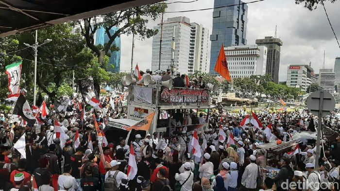 Aksi 212 di Kawasan Monas, Jalan Medan Merdeka Barat.