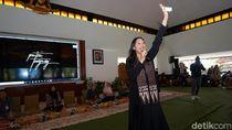 Sharing Session Bareng Putri Tanjung, Milenial Banyuwangi Diajak Berwirausaha