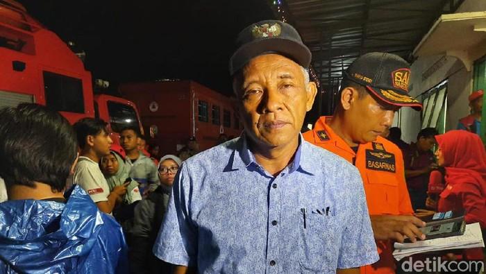 Bupati Sleman Sri Purnomo di TKP tewasnya siswa SMPN 1 Turi hanyut saat susur Sungai Sempor Sleman, Jumat (21/2/2020)