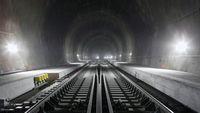 Terowongan Terpanjang Sedunia Gerogoti Pegunungan Alpen