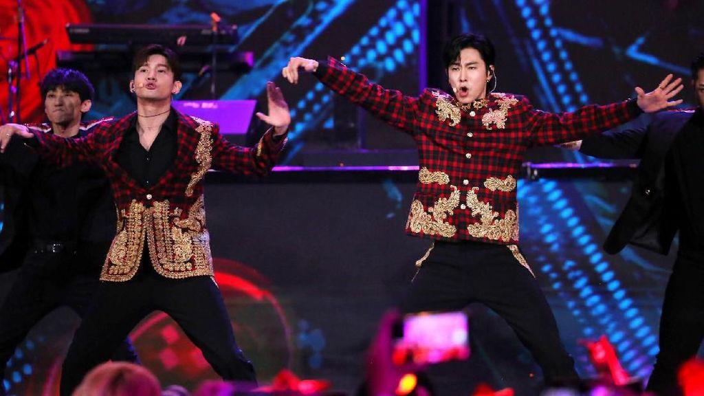 Pecah! TVXQ Buka Penampilan Korean Wave in Love dengan Mirotic
