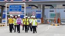 Ke Riau, Jokowi Cek Progres Tol Pekanbaru-Dumai
