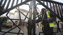 Penikaman di Masjid London, Seorang Muazin Terluka