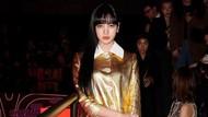 Lisa BLACKPINK Bikin Pangling di Milan Fashion Week