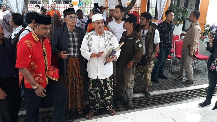 Muhammad Ali alias Abah Ali dan Achmad Abu Jazid alias Gus Amak siap maju independen di Pilkada Solo, Jumat (21/2/2020).