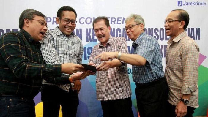 Perum Jamkrindo mencatatkan laba sebelum pajak tahun buku 2019 sebesar Rp 765,71 Miliar, tumbuh 51 persen dari laba tahun 2018 sebesar Rp 508,28 Miliar.