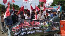 Tak Hanya 212, Massa Dukung Omnibus Law Juga Gelar Aksi di Monas Siang Ini